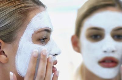 Domácí pleťové masky: Přírodní suroviny pro krásu