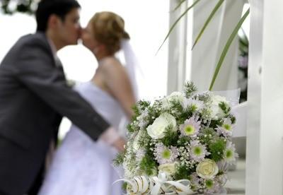 Svatební účesy pro krátké vlasy: Podtrhněte svou osobnost ...